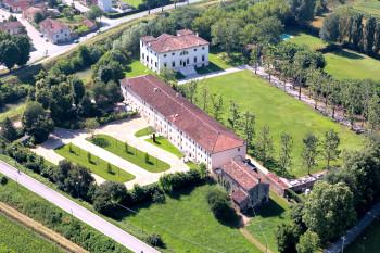 Barchessa di Villa Pisani