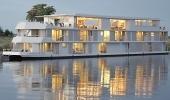 Zambezi Queen - Chobe River  Botswana