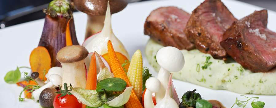 Queen Victoria Hotel - Grilled fillet with vegetables