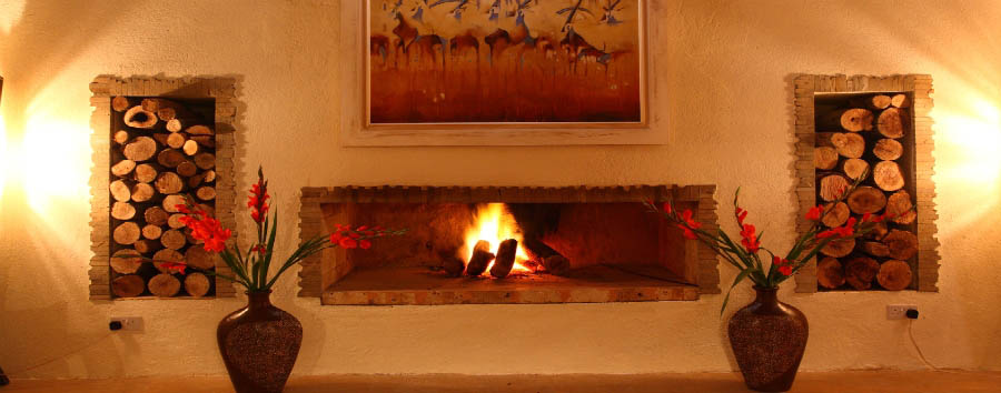 Solio Lodge - Fire place