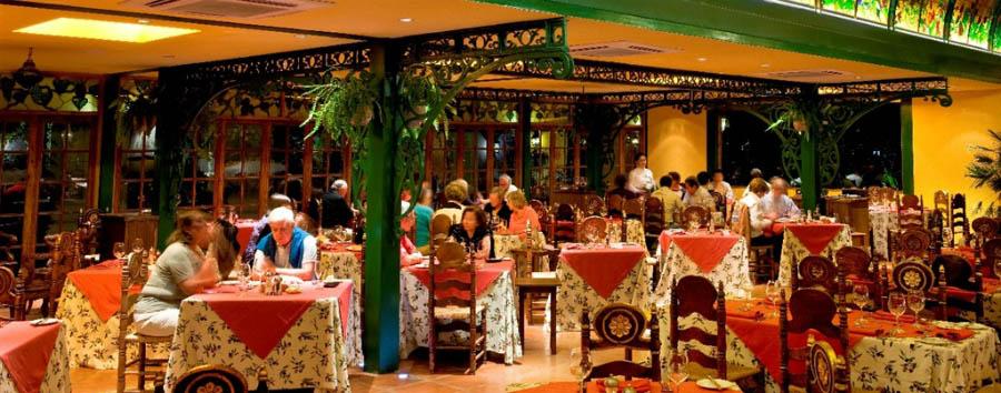 Hotel Santa Cruz Plaza - Los Varietales restaurant