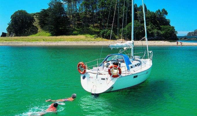 Sailing in Bay of Islands - New Zealand