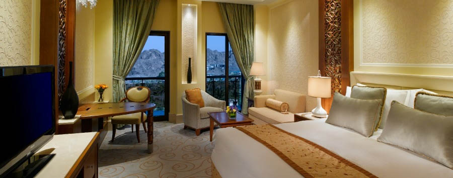 Al Bustan Palace, A Ritz Carlton Hotel - Deluxe Room Mountain View