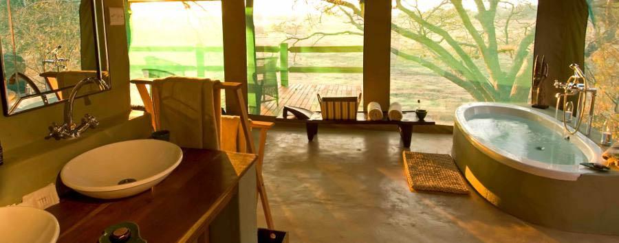 Sanctuary Puku Ridge Camp - Tent Bathroom