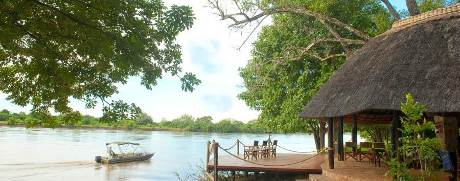 Nkwali - Boating across the Luangwa river