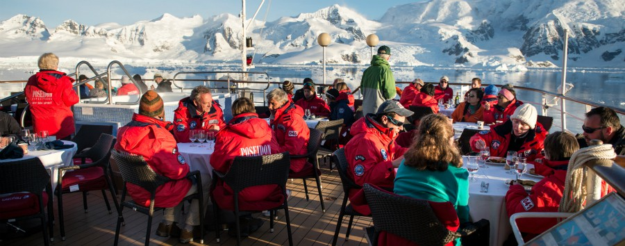 Antartico - Lunch on deck