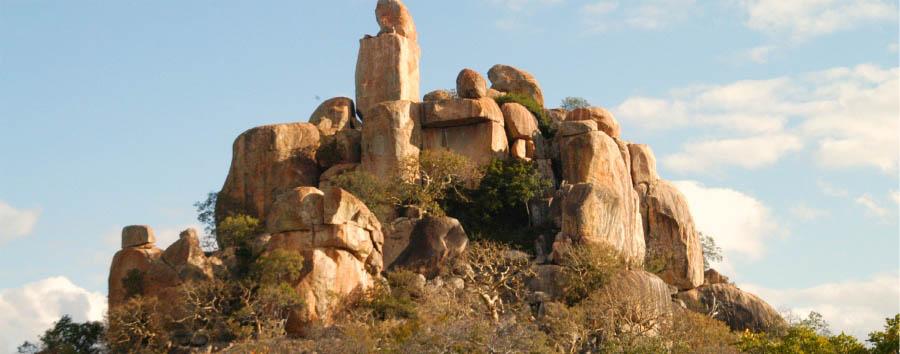 Wild Zimbabwe - Zimbabwe Balancing Rocks at Matobo Hills