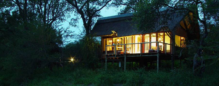 Rhino+Post+Safari+Lodge+-+Room+exterior