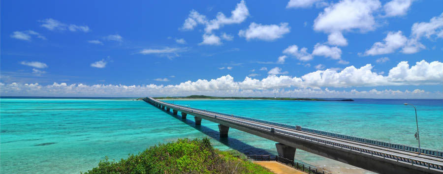 Mare a Okinawa: Miyakojima - Japan Ikema bridge in Miyakojima © Kurouz/Shutterstock