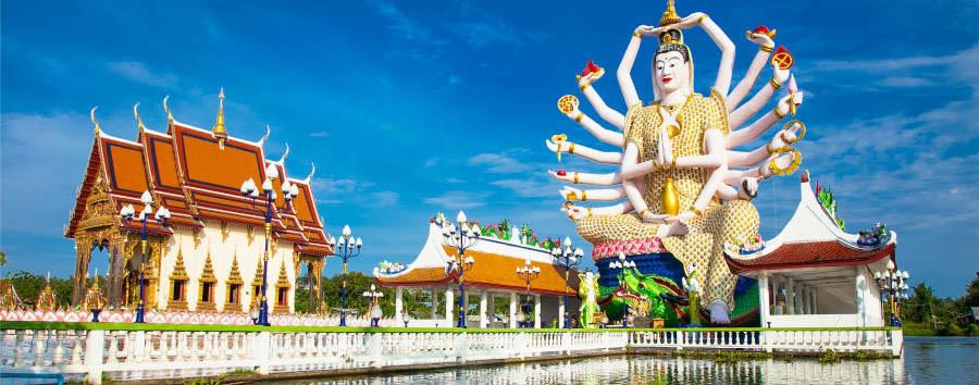 Koh Samui à la carte - Koh Samui Wat Plai Laem temple with 18 hands God statue (Guanyin) Surat Thani, © Aleksandar Todorovic/Shutterstock