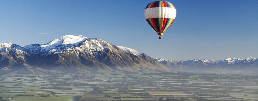New Zealand - Hot Air Balloning over Canterbury Plains © David Wall/Tourism New Zealand