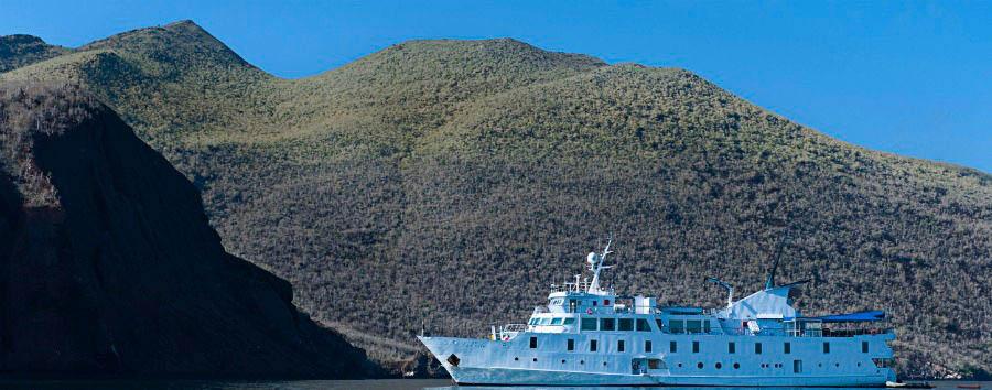 Gálapagos Island Hopping - Ecuador Gálapagos, La Pinta Yacht © Metropolitan Touring