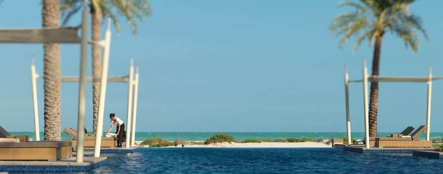 Park Hyatt Abu Dhabi Hotel and Villas - Turquoise sea
