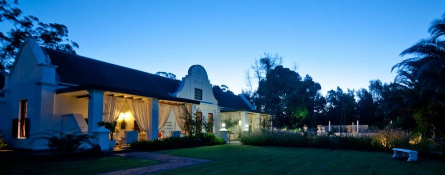 Lairds+Lodge+Country+Estate+-+Outside+view+by+night