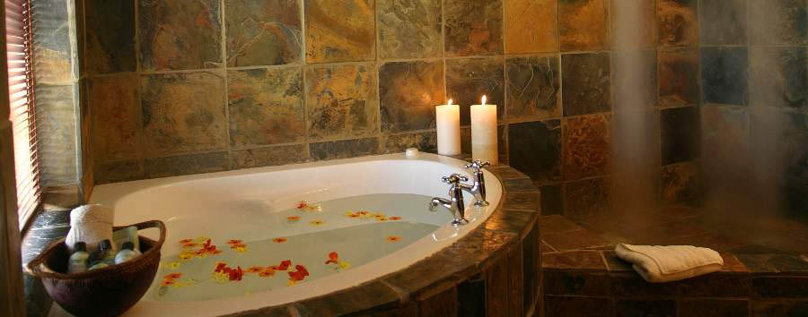 Agulhas+Country+Lodge+-+Romantic+bath