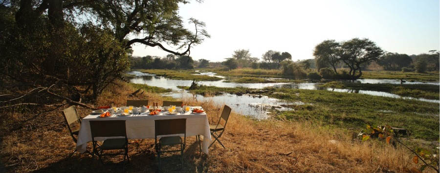 Jongomero Camp - Bush Breakfast by the Ruaha River