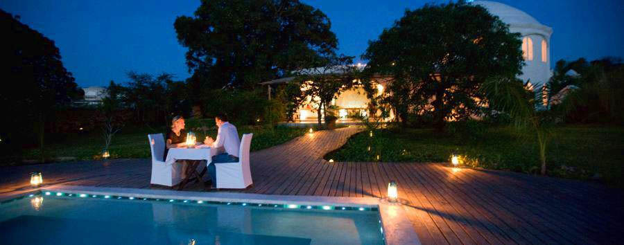 Kilindi Zanzibar - Poolside dinner
