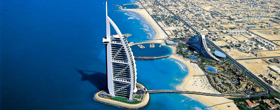 Dubai, la città del futuro - Dubai  Aerial view of Jumeirah Beach  and Burj Al Arab