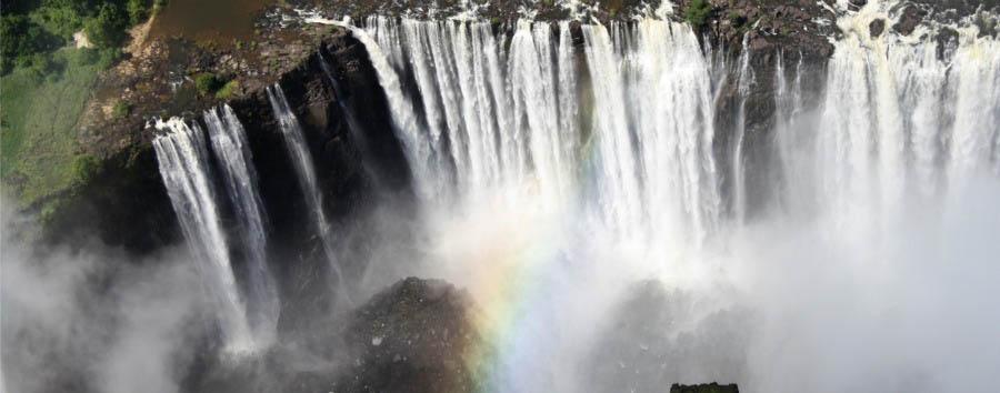 Navigando lungo il Chobe - Zimbabwe Victoria Falls Aerial View