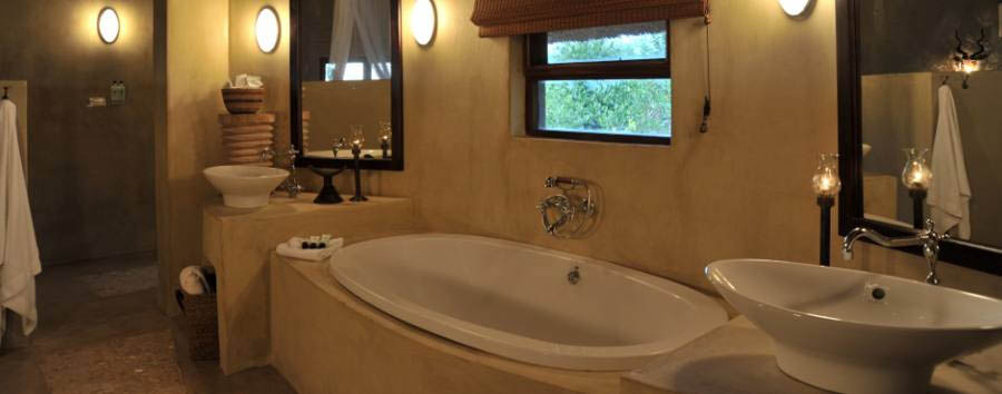 Ngoma Safari Lodge - Bathroom