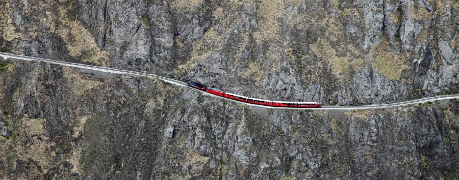 In treno sulle Ande - Ecuador Travelling along
