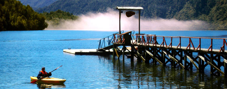 Puyuhuapi Lodge & Spa - Lodge dock in Bahia Dorita