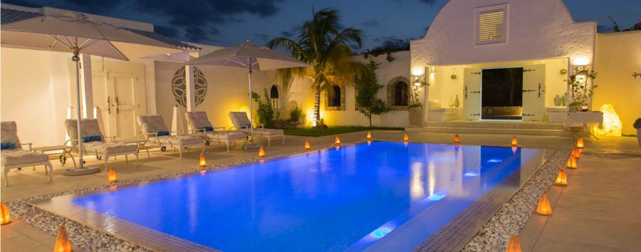Villa+Santorini+-+Pool+Area+at+Night