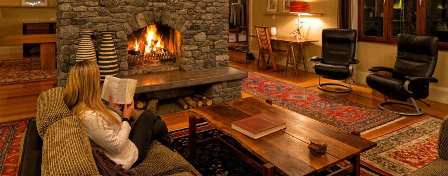New Zealand Gourmet Escape - New Zealand Hapuku Lodge & Tree Houses, Relaxing at The Lounge