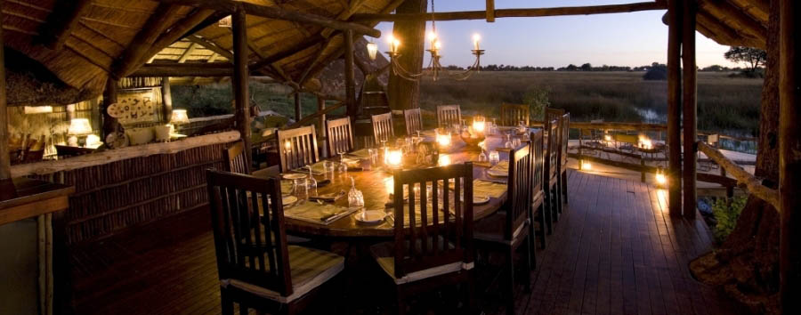 Duba+Plains+Camp+-+Dinner+table