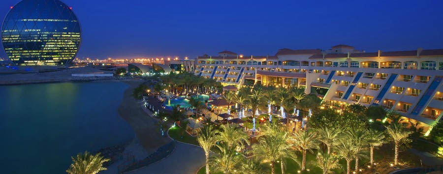 Al Raha Beach Hotel - Hotel view by night