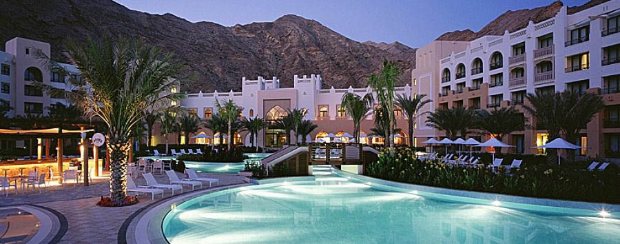 Oman - Shangri-La's Al Waha - Pool Area at Night
