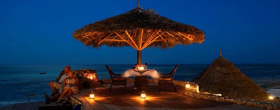 Karafuu Hotel Beach Resort - Candlelight dinner