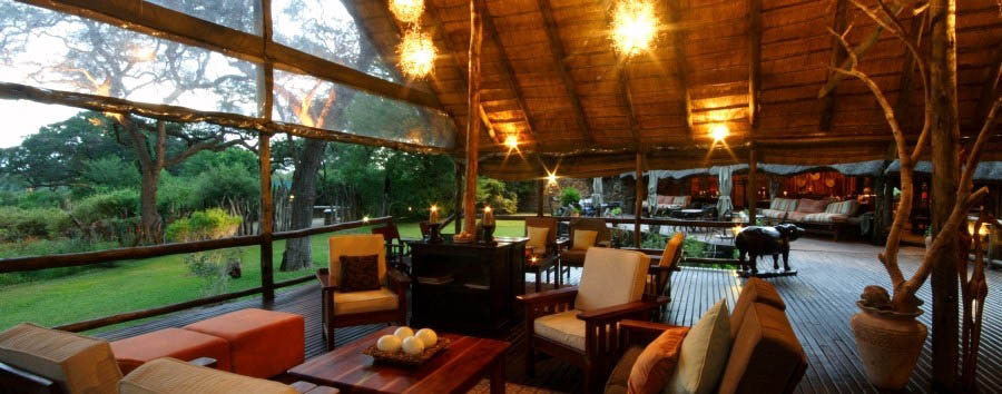 Elephant Valley Lodge - Cozy lounge area