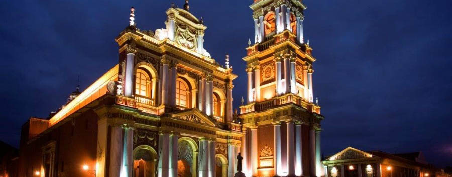 Ruta 40, da Mendoza a Salta - Argentina Salta, San Francisco Cathedral © Eliseu Miciu
