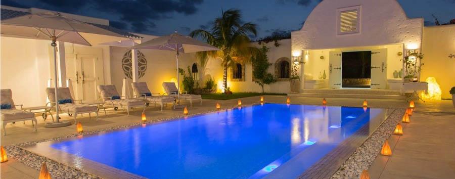 Villa Santorini: Jewel of Vilankulos - Mozambique Villa Santorini, Pool Area at Night