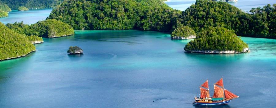 Le meraviglie di Raja Ampat - Indonesia Raja Ampat, Tiger Blue Anchored in Palau Wayag