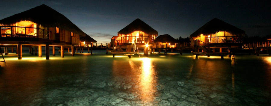 Bora+Bora+Pearl+Beach+Resort+%26+Spa+-+Overwater+Bungalow+Exterior+at+Night