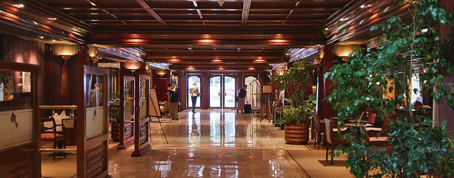 Plaza San Francisco - Lobby