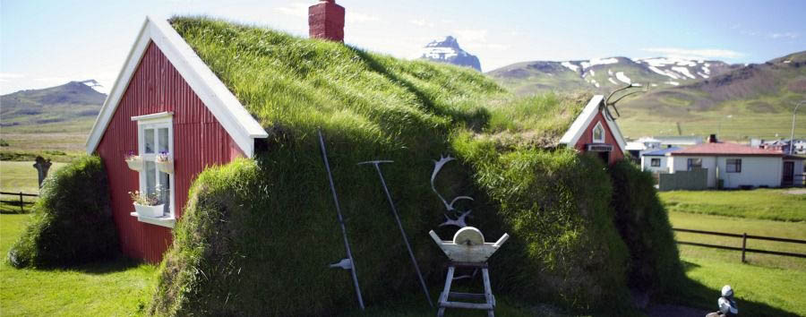 I miti dell'Est - Iceland Borgarfjordur Eystri, House Covered in Moss