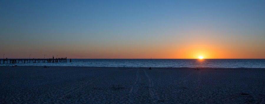 Mosaico australiano: Adelaide - Australia South Australia, Adelaide, Glenelg Beach © Greg Snell/Tourism Australia
