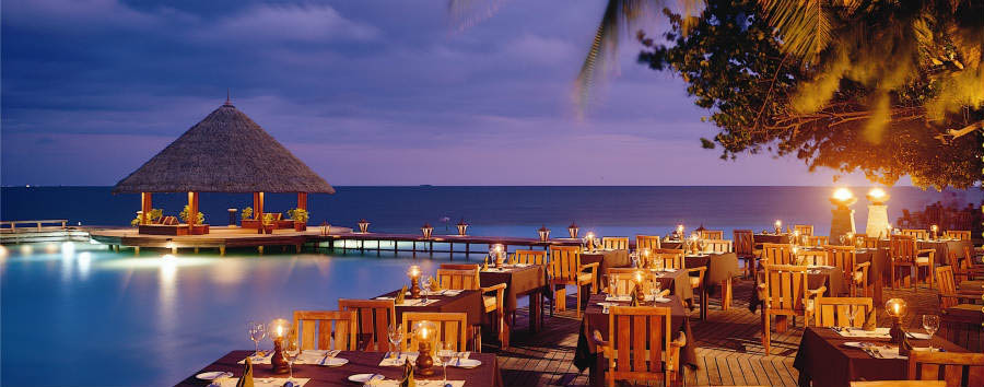 Angsana+Ihuru+-+Riveli+Restaurant+by+Night