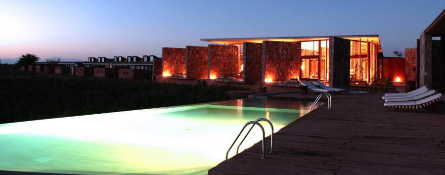 Chile - Tierra Atacama Hotel & Spa: pool & exterior at dusk