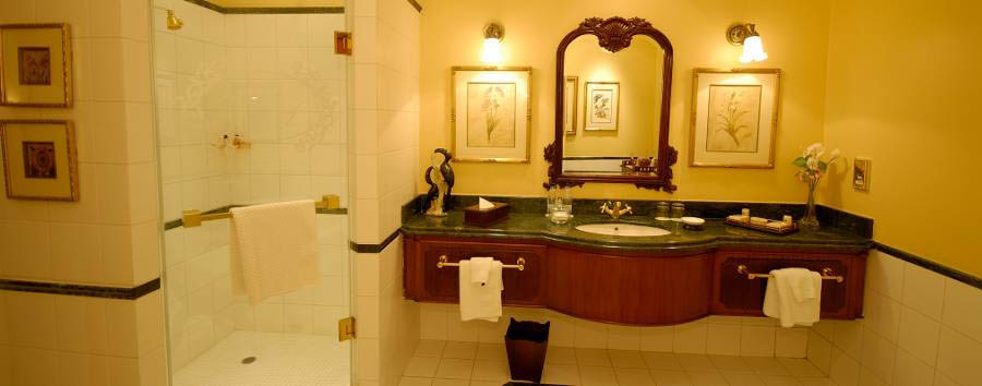 The Stanley & Livingstone at Victoria Falls - Bathroom