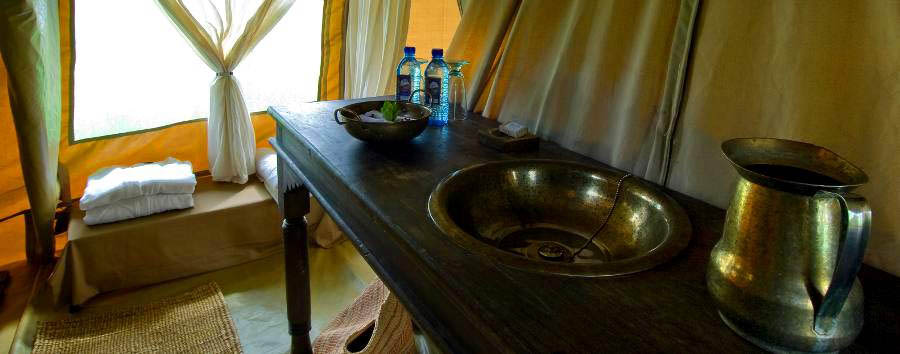 Dunia Camp - Tent bathroom