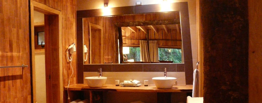 Nawelpi Lodge - Suite bathroom