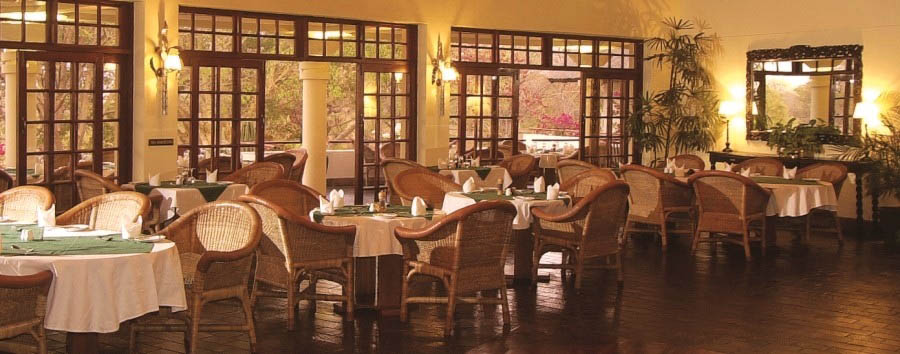 Ilala+Lodge+-+Colonial+style+dining+room