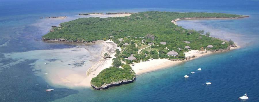 Azura at Quilalea - Quilalea aerial