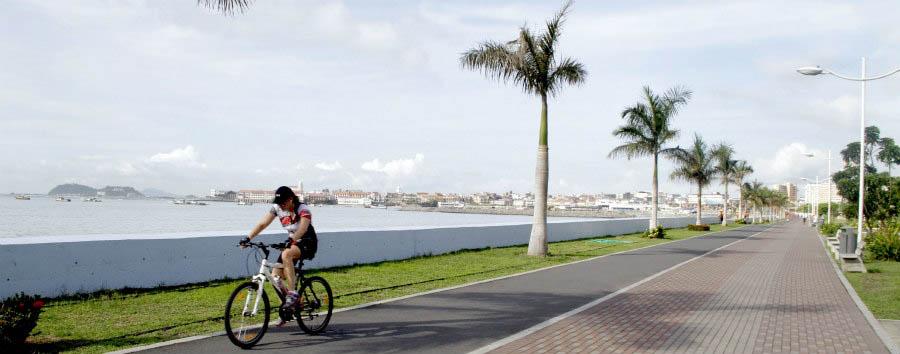Panama City Stopover - Panama Panama City, Cycling along Cinta Costiera