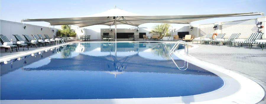 Mövenpick Hotel Bur Dubai - Pool Area