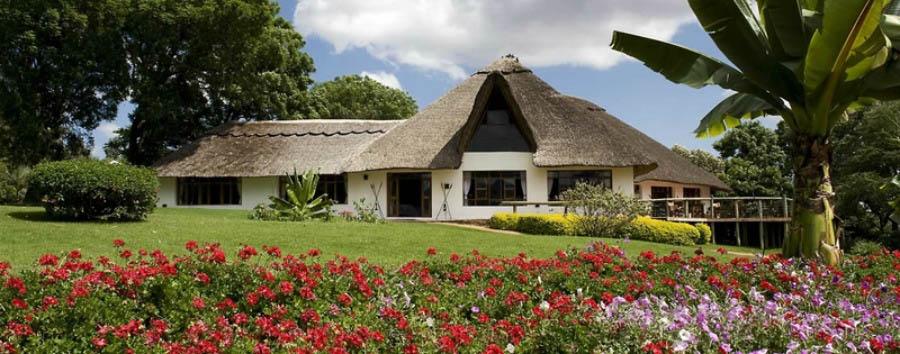 Ngorongoro Farm House - Main House and Garden